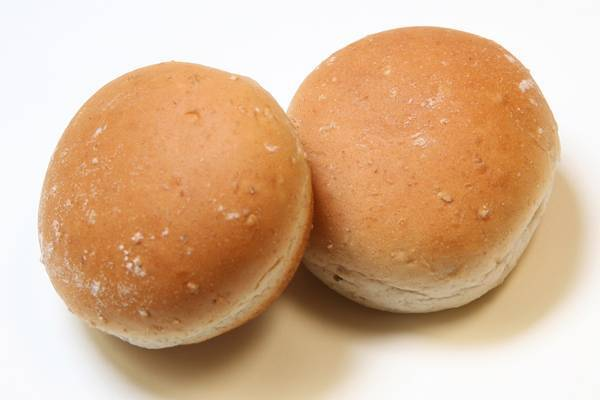 ROUND WHEAT DINNER ROLL